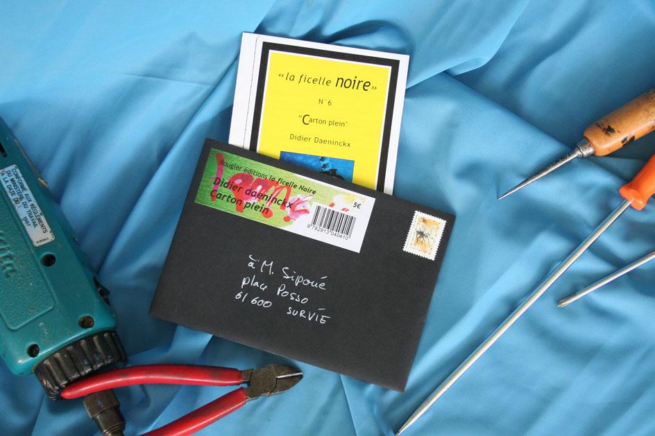 Livre et pochette Carton plein