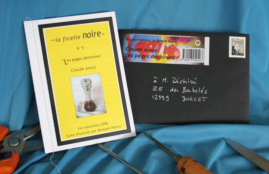 Livre et pochette Les Pages déchirées